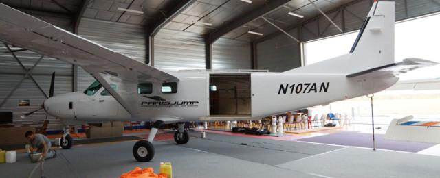 saut-en-parachute-paris-jump-hangar2